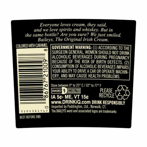 Baileys Original Irish Cream Liqueur Perspective: right