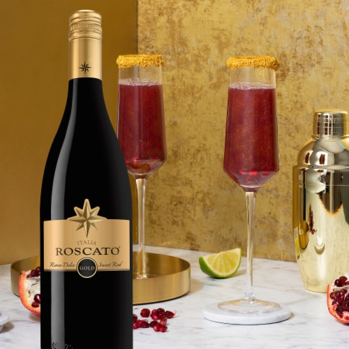 Roscato Italy Gold Sweet Red Wine Perspective: right