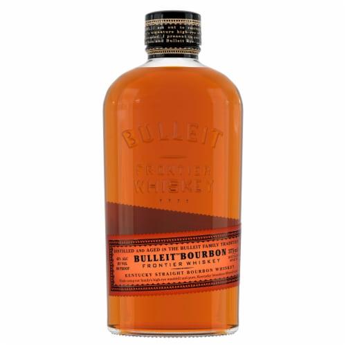 Bulleit Bourbon Kentucky Straight Bourbon Whiskey Perspective: right