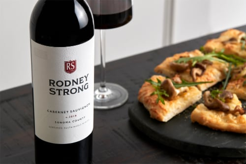 Rodney Strong Cabernet Sauvignon Red Wine Perspective: right