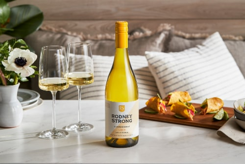 Rodney Strong Chardonnay White Wine Perspective: right