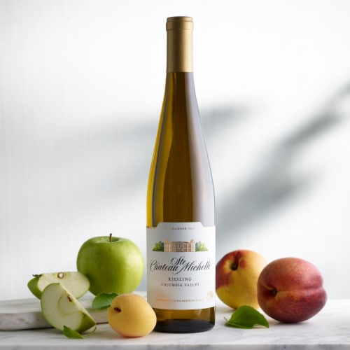 Chateau Ste Michelle Riesling White Wine Perspective: right
