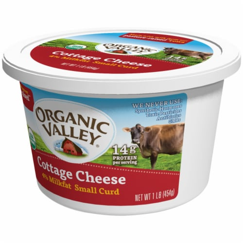 Organic Valley 4% Milkfat Small Curd Cottage Cheese Perspective: right