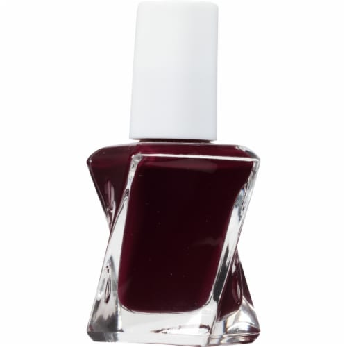 Essie Gel Couture Model Clicks Nail Polish Perspective: right