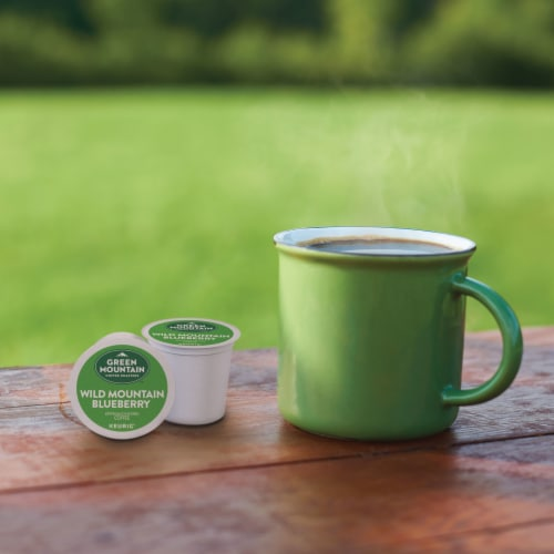 Green Mountain Coffee Wild Mountain Blueberry Flavored Coffee K-Cup Pods Perspective: right