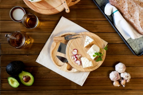 Brie Cheese Cutting Board & Tools Set, Rubberwood Perspective: right