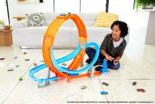 Hot Wheels® Massive Loop Mayhem Playset Perspective: right