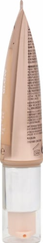Revlon Photo Ready Candid Moist Glow 320 Tawny Foundation Perspective: right