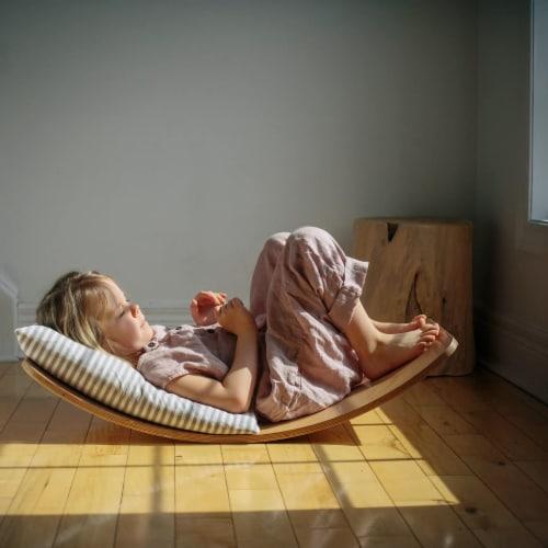 Kinderfeets Original Kinderboard Versatile Waldorf Wood Balance Board, Natural Perspective: right