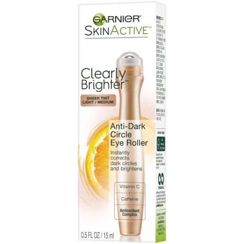 Garnier SkinActive Clearly Brighter Light/Medium Sheer Tint Anti-Dark Circle Eye Roller Perspective: right