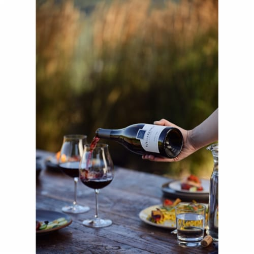 WillaKenzie Estate Pinot Noir Red Wine Perspective: right