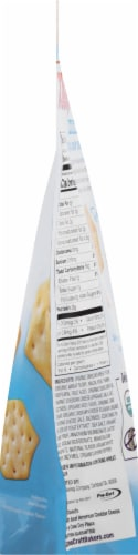 Milton's Craft Bakers Organic Cheesy White Cheddar Crackers Perspective: right