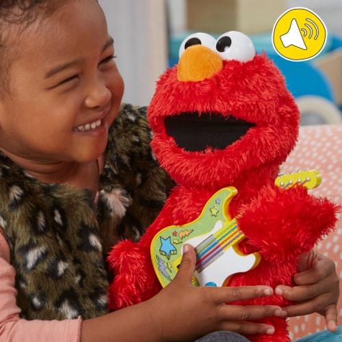 Playskool Sesame Street Rock and Rhyme Elmo Perspective: right