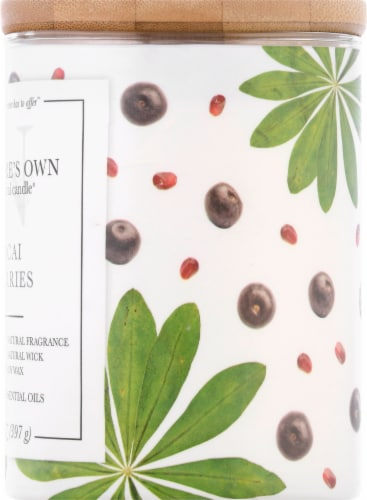 Nature's Own Acai Berries Soy Wax Natural Candle Perspective: right