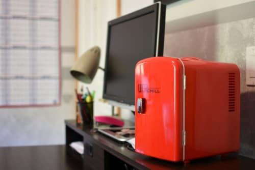 Uber Appliance Mini Fridge 6-can portable refrigerator cooler/warmer Bedroom/dorm/RV Perspective: right
