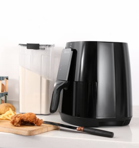 Uber Appliance Air Fryer XL Large 5 Qt Touch Display with 8 Pre-Set Functions, 5 quart, Black Perspective: right