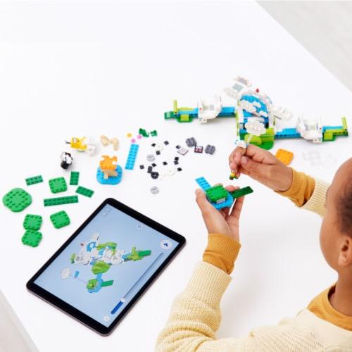 71389 LEGO® Super Mario™ Lakitu Sky World Perspective: right