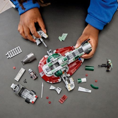 LEGO® Star Wars Boba Fett's Starship Building Set Perspective: right