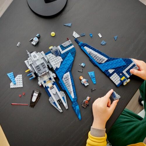 LEGO® Star Wars Mandalorian Starfighter Perspective: right