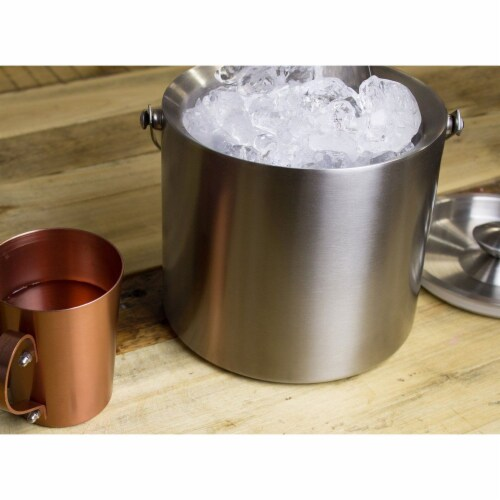 Insulated Stainless Steel Ice Bucket with Scoop, Lid and Handle (6.6 x 7.5 in) Perspective: right