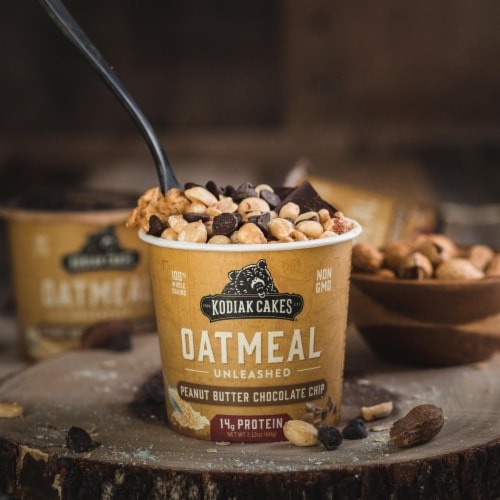 Kodiak Cakes Peanut Butter Chocolate Chip Oatmeal Power Cup Perspective: right