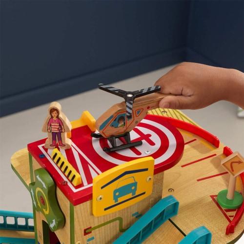 KidKraft Wash n Go Wooden Car Garage Perspective: right
