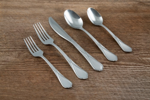 Cambridge Silversmiths Heather Flatware Set - Sand Perspective: right