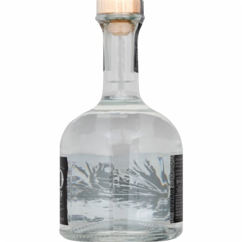 Cabo Wabo Tequila Blanco Perspective: right