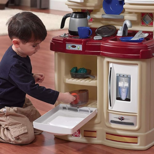 Step2 Cozy Kids Compact Play Pretend Kitchen Playset with 21 Piece Accessory Set Perspective: right
