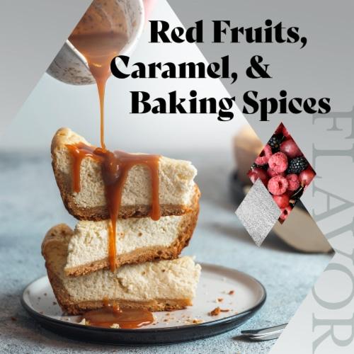 Francis Coppola Diamond Collection Cabernet Sauvignon Perspective: right