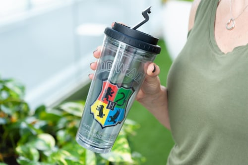 Harry Potter Hogwarts Crest 24oz Double Walled Plastic Travel Mug Perspective: right