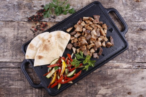 Victoria Cast Iron Reversible Griddle Perspective: right