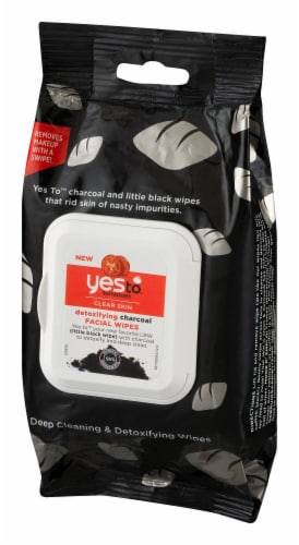 Yes To Tomatoes Clear Skin Detoxifying Charcoal Facial Wipes Perspective: right