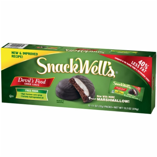 SnackWell's Devils Food Cookie Cakes Multipack 12 Count Perspective: right