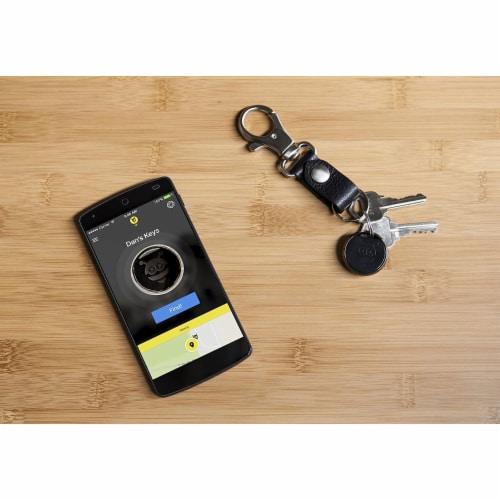 Pebblebee PB-501 200 Ft Range Smartphone Bluetooth Key Finder Classic, Black Perspective: right