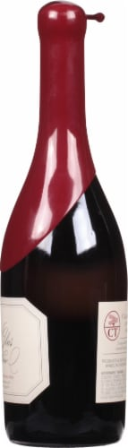 Belle Glos Pinot Noir Red Wine Perspective: right