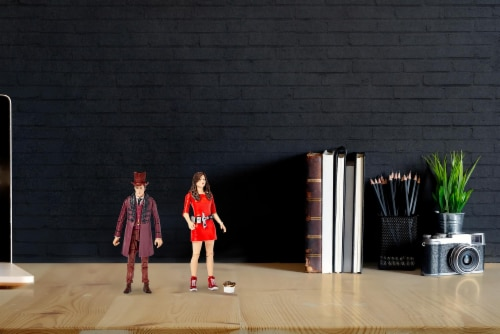 """Doctor Who The Impossible Set w/ 11th Doctor & Oswin Oswald 5"""" Action Figures Perspective: right"""
