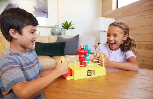 Mattel Rock 'Em Sock 'Em Robots Game Perspective: right