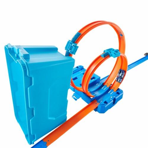 Mattel Hot Wheels® Track Builder Multi Loop Box Perspective: right