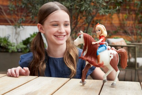 Mattel Spirit Untamed Abigail and Boomerang Perspective: right