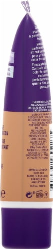 Rimmel London Stay Matte 202 Sun Beige Full Coverage Matifying Foundation Perspective: right