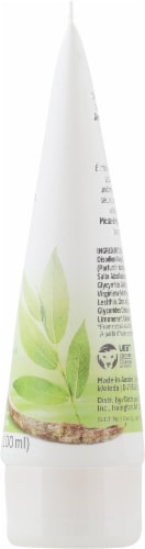 Weleda Clarifying Cleansing Gel Perspective: right