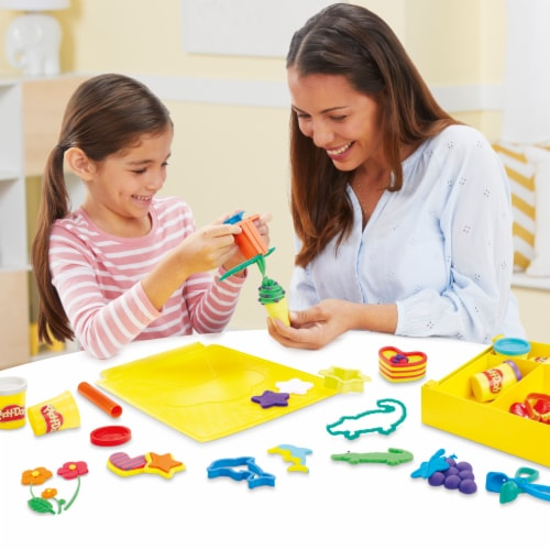 Play-Doh Large Tools & Storage Activity Set Perspective: right