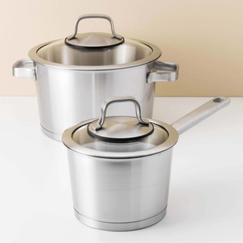 BergHOFF Essentials Manhattan Stainless Steel Covered Casserole Perspective: right