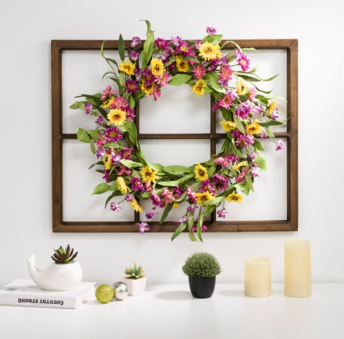 Glitzhome Wooden Window Frame with Artificial Chrysanthemum Wreath Perspective: right
