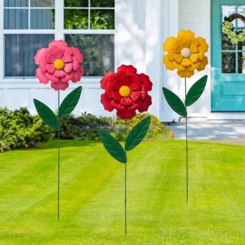 Glitzhome Metal Yard Stake Flower Perspective: right