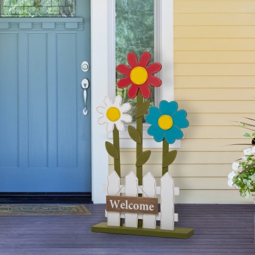 Glitzhome Wooden Trio Flowers and Fence Welcome Porch Décor Perspective: right
