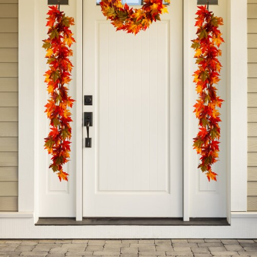 Glitzhome Fall Lighted Maple Leaves Garland Perspective: right