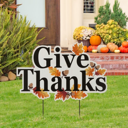 Glitzhome Give Thanks Wooden Yard Stake Decor Perspective: right