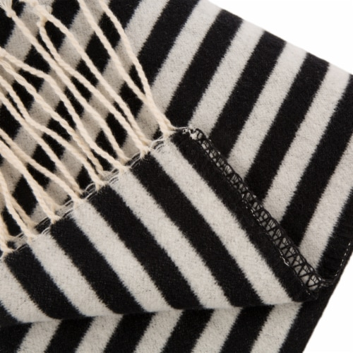 Glitzhome Woven Cotton Geometric Jacquard Tassel Throw Blanket Perspective: right